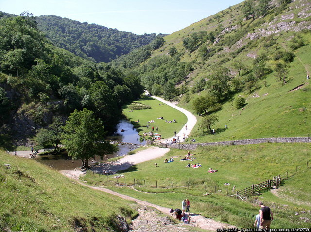 Dovedale Stepping stones from the slopes of Thorpe Cloud